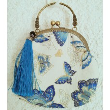 Chinese white cream handbag with butterfly pattern, 20 x 18 x 6 cm